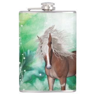 Cantil Cavalo bonito no país das maravilhas