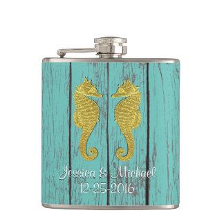 Cantil Cavalos marinhos que do ouro sua madeira da cor