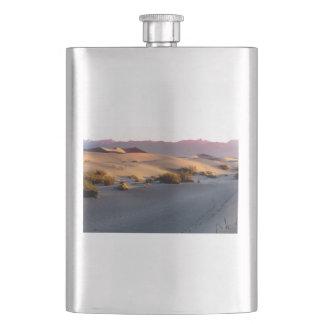 Cantil De Bebida Dunas de areia lisas o Vale da Morte do Mesquite