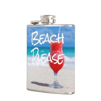 Cantil Do Sandy Beach bebida vermelha bonita do daiquiri