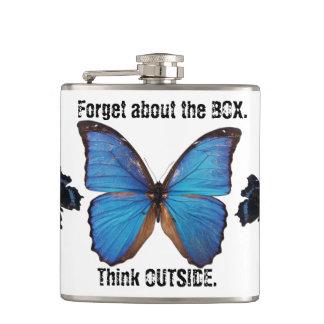 Cantil Esqueça que a caixa pensa fora da garrafa da