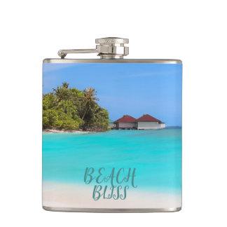 Cantil Felicidade da praia tropical