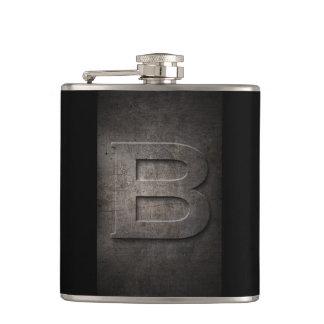Cantil Garrafa preta de bronze do monograma do metal B