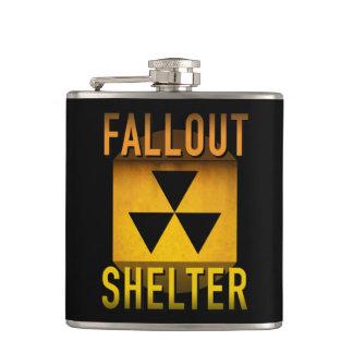 Cantil Grunge retro nuclear da idade atômica de abrigo de