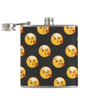 Cantil Kissy enfrenta Emojis