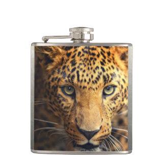 Cantil Leopardo manchado preto de Brown