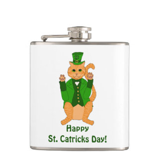 Cantil Leprechaun do gato do dia do St. Catrick no chapéu