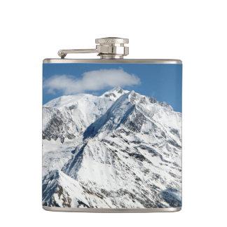 Cantil Mt. Blanc com nuvens