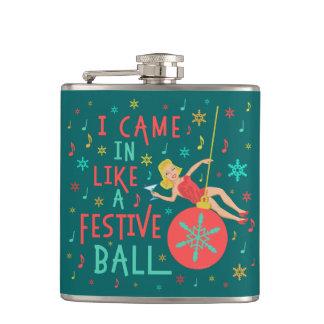 Cantil Mulher retro do Natal engraçado na bola festiva do