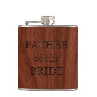 Cantil Pai da festa de casamento rústica da noiva  