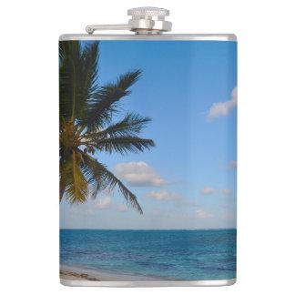 Cantil Palmeira em uma praia