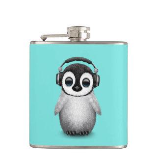 Cantil Pinguim bonito DJ do bebê que veste fones de
