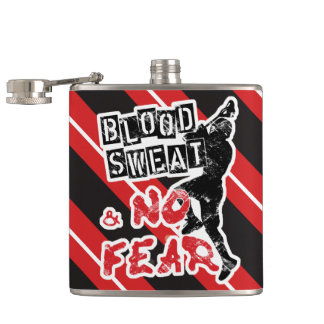 Cantil Sangue, suor e nenhum medo, garrafa do quadril do