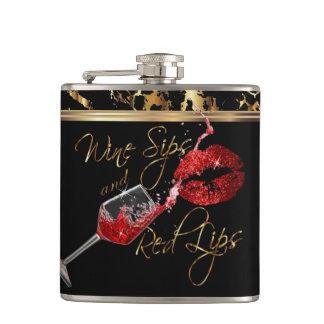 Cantil Sorvos do vinho e lábios vermelhos