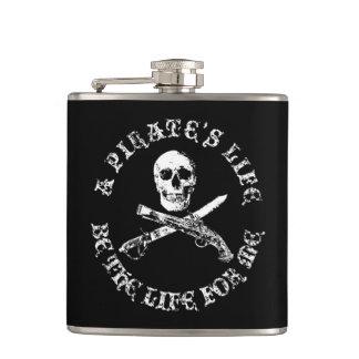 Cantil Uma vida skullflask_5 dos piratas