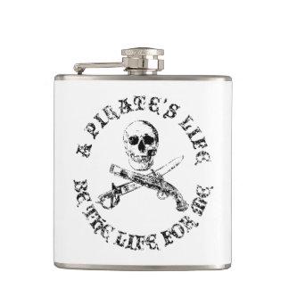 Cantil Uma vida skullflask_9 dos piratas