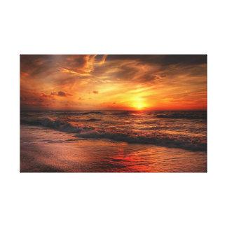 Canvas alaranjadas vívidas do por do sol da praia