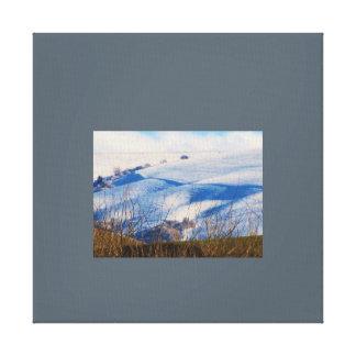 Canvas cobertos de neve de rolamento das colinas impressão em tela