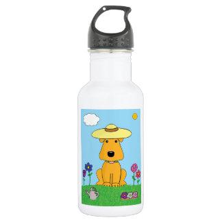 Cão de Airedale Terrier na garrafa de água do