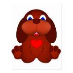 Cão de filhote de cachorro com coração vermelho cartões postais