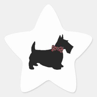 Cão do Scottie no laço da xadrez Adesivos Estrelas
