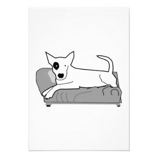 Cão dos desenhos animados no sofá convites personalizado