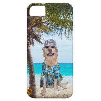 Cão na praia na camisa havaiana capa para iPhone 5