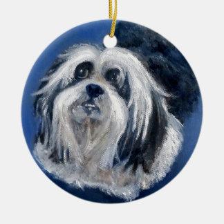 Cão pequeno brincalhão preto e branco ornamento de cerâmica