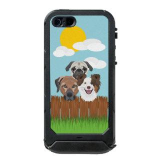 Capa À Prova D'água Para iPhone SE/5/5s Cães afortunados da ilustração em uma cerca de