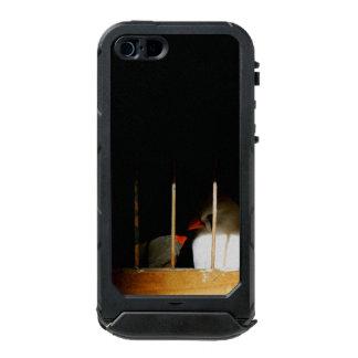Capa À Prova D'água Para iPhone SE/5/5s Dois pássaros do passarinho atrás dos bares