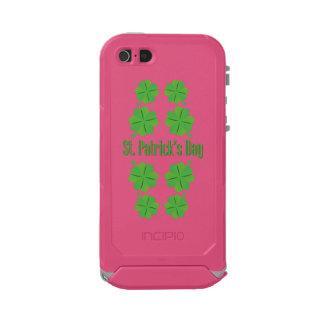 Capa À Prova D'água Para iPhone SE/5/5s O dia de St Patrick com trevo