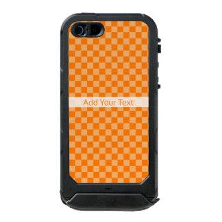 Capa À Prova D'água Para iPhone SE/5/5s Tabuleiro de damas alaranjado da combinação por