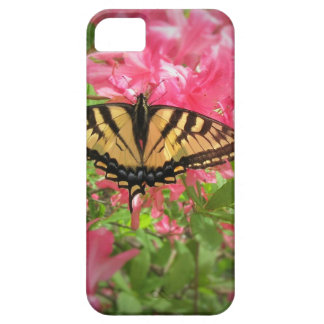Capa Barely There Para iPhone 5 A borboleta de Swallowtail senta-se em azáleas