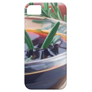 Capa Barely There Para iPhone 5 Copo de vidro com molho e rosemary de soja