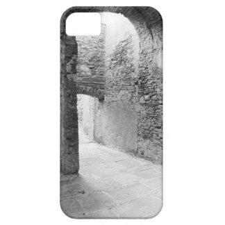 Capa Barely There Para iPhone 5 Corredores escuros de uma estrutura velha do