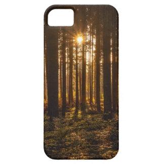 Capa Barely There Para iPhone 5 Ideia de árvores pretas e de Sun