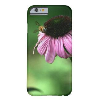 Capa Barely There Para iPhone 6 Abelha na flor