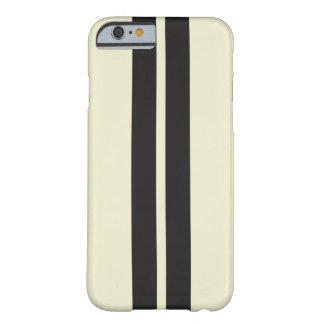 Capa Barely There Para iPhone 6 Algum preto branco da pimenta da cor que compete