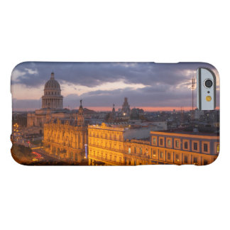 Capa Barely There Para iPhone 6 Arquitectura da cidade no por do sol, Havana, Cuba