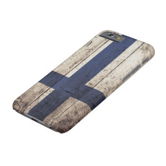 Capa Barely There Para iPhone 6 Bandeira de Finlandia na grão de madeira velha