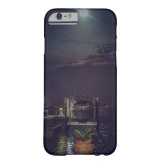 Capa Barely There Para iPhone 6 Barco entrado na água durante uma Lua cheia