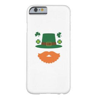Capa Barely There Para iPhone 6 Bigode com dia de St Patrick do trevo