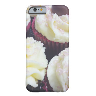 Capa Barely There Para iPhone 6 Caixa do cupcake