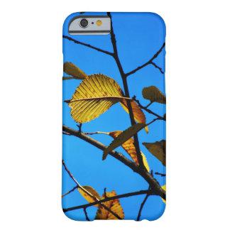 Capa Barely There Para iPhone 6 Caso Queda-Temático - folhas & céu do amarelo