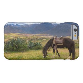Capa Barely There Para iPhone 6 Cavalo sagrado verdejante do vale II