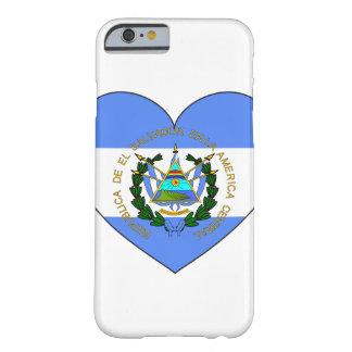 Capa Barely There Para iPhone 6 Coração da bandeira de El Salvador