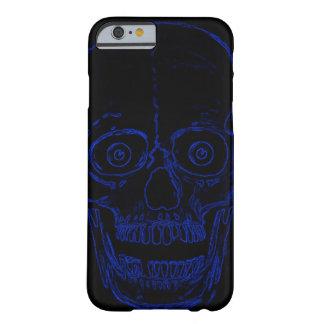 Capa Barely There Para iPhone 6 Crânio azul do demónio do crânio de Skully