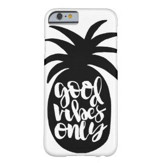 """Capa Barely There Para iPhone 6 Das """"capa de telefone do abacaxi boas impressões"""