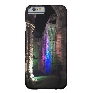 Capa Barely There Para iPhone 6 Design gótico foto iluminada da abadia de Whitby