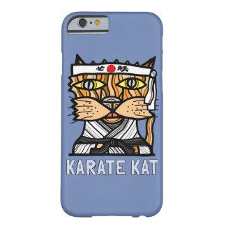 "Capa Barely There Para iPhone 6 Do ""capa de telefone lustrosa do Kat karaté"""